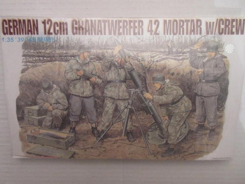 German 12cm Granatwerfer 42 Mortar w/Crew